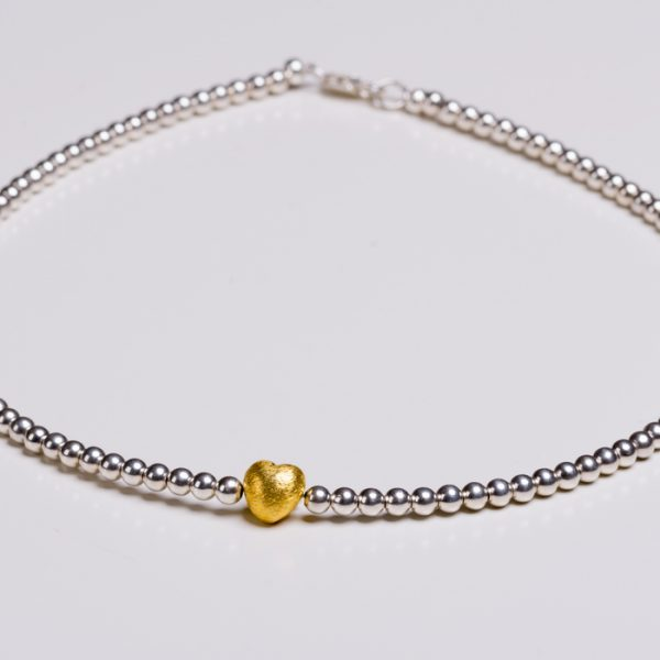 Product Photography – Necklace Silver & Gold